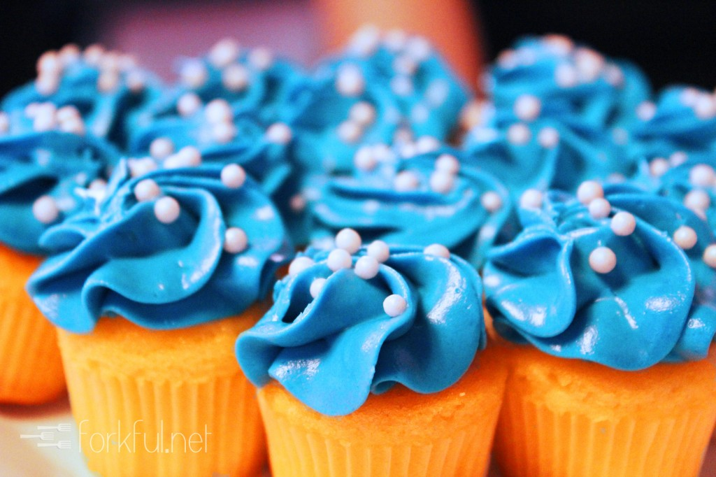 Sweet Vanilla Cupcakes with Twitter Blue Cream Cheese Frosting