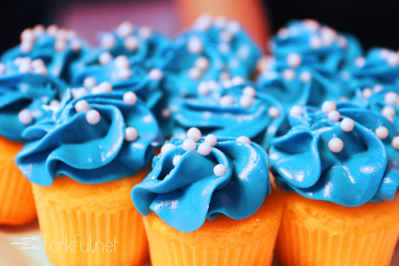 Blue Velvet Cupcakes with Easy Vanilla Buttercream   Flickr   Blue Vanilla Cupcakes