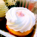 strawberry-champagne-cupcake